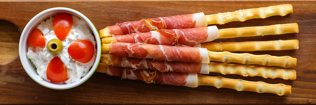 Breadsticks with prosciutto